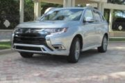2020 Mitsubishi Outlander PHEV Quick Takes TestDriveNow.com